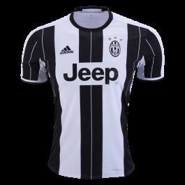 Juventus home jersey.png